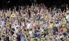 Australian fans cheer