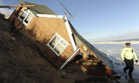 House-collapsed-into-sea--009.jpg