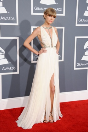 Taylor Swift, nominated in three categories, arrives at the 2013 Grammy awards in Los Angeles.