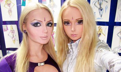 Girls That Look Like Barbie Dolls
