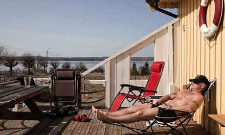 [Image: An-inmate-sunbathes-on-th-010.jpg]
