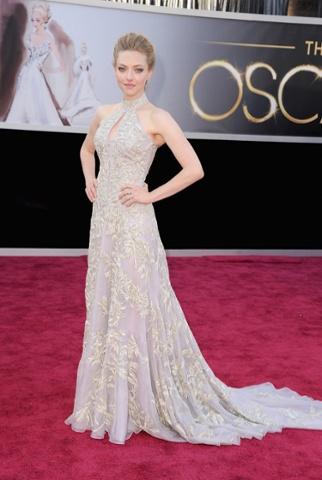 Amanda Seyfried arrives at the Oscars