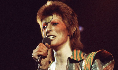 David Bowie heads for No 1 and breaks V&A records