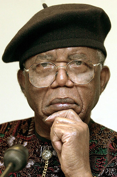 chinua achebe Ezenwa-ohaeto, poet and writer, was one of chinua achebe's students at the university of nigeria, before he took a doctorate at the university of benin.