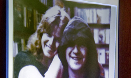 A photo of Linda and John Sohus is projected on to screen in the LA court