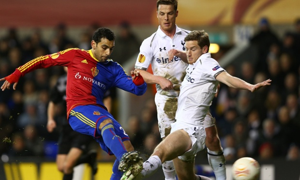 Basel's Mohamed Salah in action with Tottenham duo Jan Vertonghen and Scott Parker.