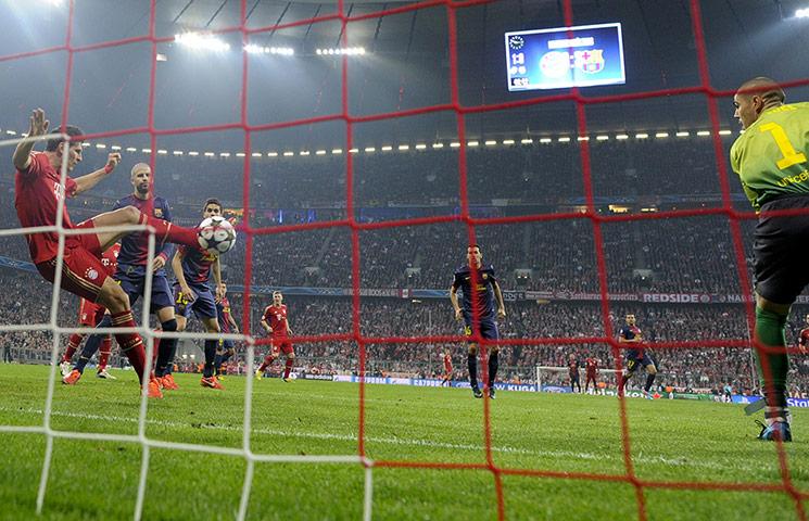 بايرن ميونخ يسحق برشلونه 4-0 ويخطو خطوة كبيره نحو النهائي