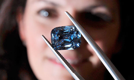 Blue diamonds are structurally very pure and account for fewer than 1%