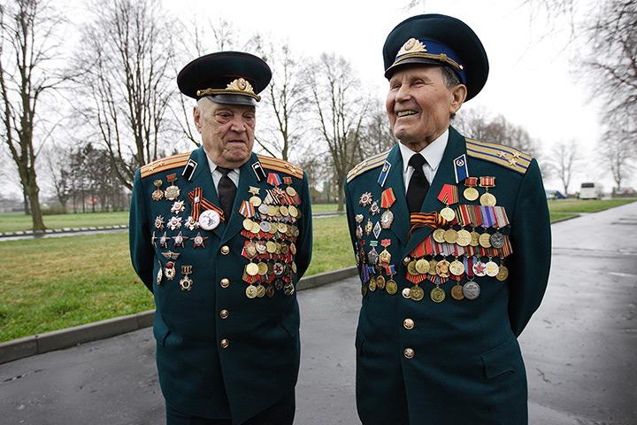 24 hours: Braniewo, Poland: Soviet Army Second World War veterans