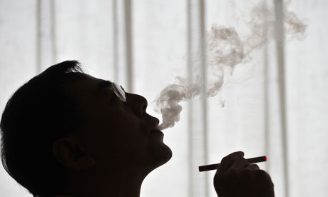 Watch Out E Cigarette Smokers You Re Inhaling The