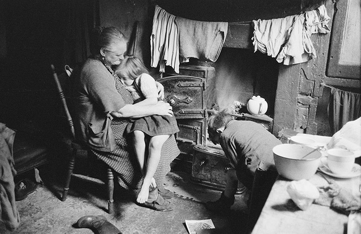 Liverpool-Slum-Interior-009.jpg