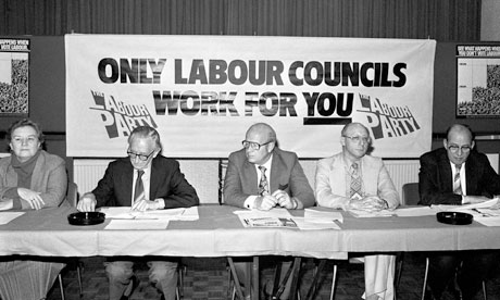 Labour party press conference in 1982: Jim Mortimer (centre)