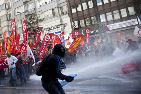 Police used water cannons to disperse union activists who had gathered to protest in the Sisli district of Istanbul for May Day.