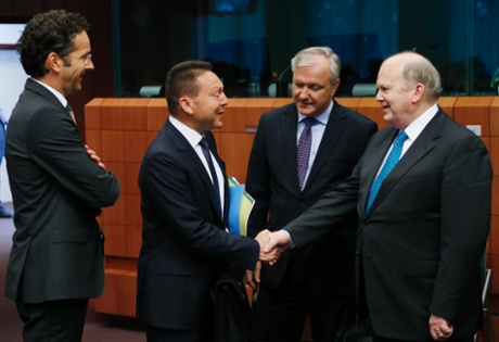 Eurogroup chairman Jeroen Dijsselbloem, Greece's Finance Minister Yannis Stournaras, European Economic and Monetary Affairs Commissioner Olli Rehn and Ireland's Finance Minister Michael Noonan attend an euro zone finance ministers meeting in Brussels May 13, 2013