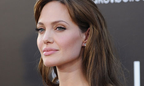 Angelina Jolie's student blogs hint info of the actor's treatment