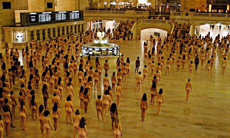 450 naked women prepare to be photoed by artist Spencer Tunick in New York's  Grand Central Terminal