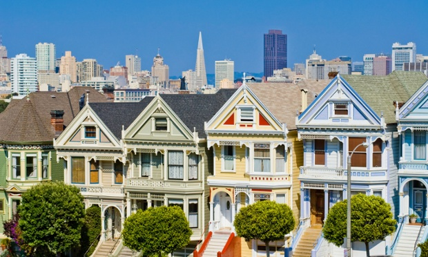 Victorian houses at Alamo Square with the San Francisco skyline