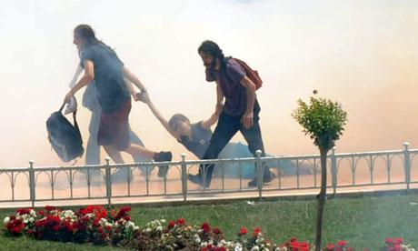 [Image: Taksim-Gezi-Park-protest--008.jpg]