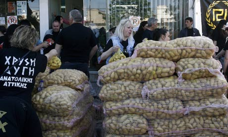 Golden Dawn distribute food in Athens