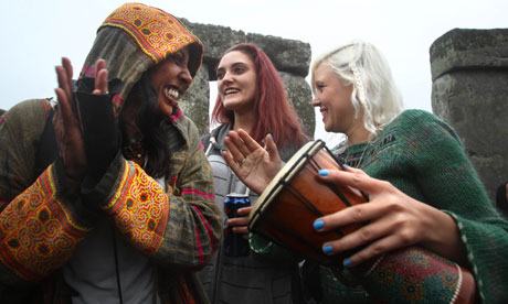 Summer solstice: thousands descend on Stonehenge to greet longest day