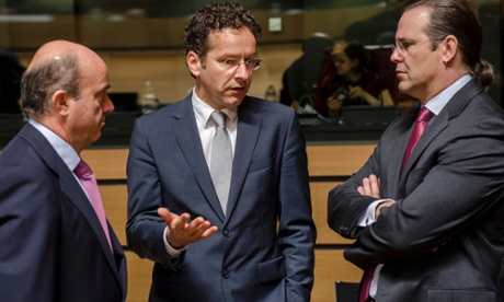 Netherlands' Finance Minister Jeroen Dijsselbloem, center, talks with Spain's Finance Minister Luis de Guindos, left, and Sweden's Finance Minister Anders Borg over new bailout rules