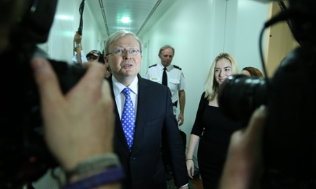 Kevin Rudd announces he will run for the Labor leadership.