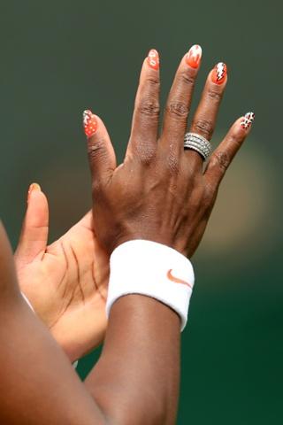 Serena Williams painted fingernails