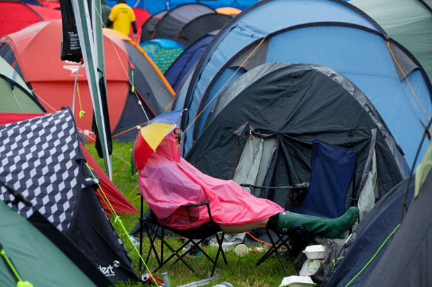 Here's a nice picture of an experienced Glastonbury hand from the Guardian's very own ChrisThomond.