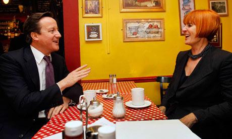 David Cameron chats with Mary Portas at a cafe
