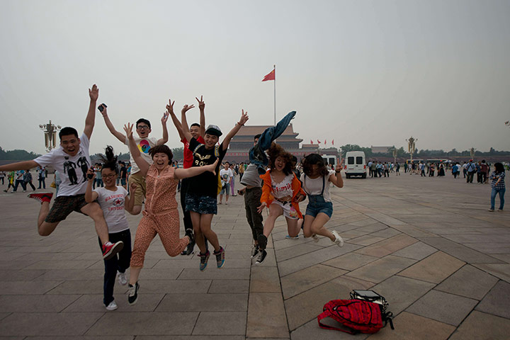 24 hours in pictures: Tiananmen Square