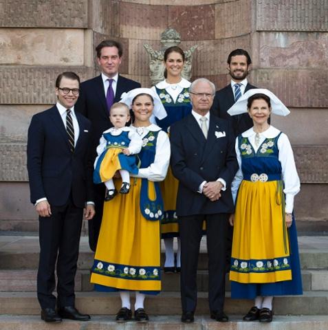 Family portrait of swedish royal family