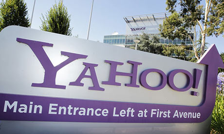 Yahoo says legal argument against intelligence agencies accessing its data should be made public.