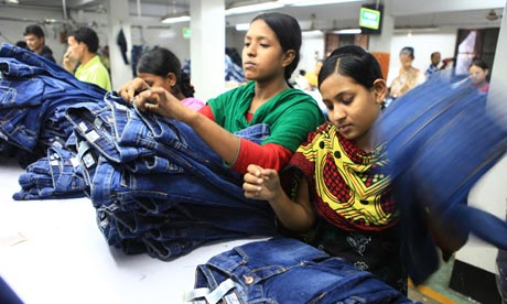 ethics sweatshop Definition of sweatshop: has created controversial situations across the world, in which business ethics are skirted around and.