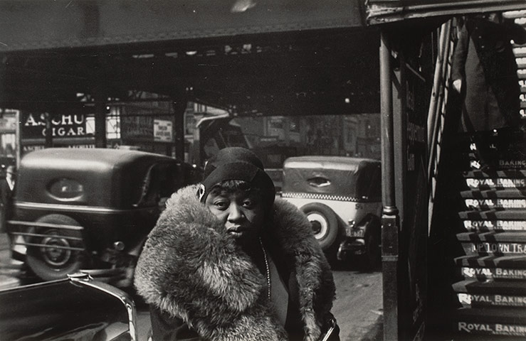Walker Evans: 42nd Street, New York, 1929