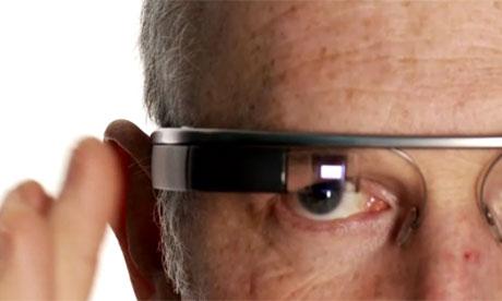 Charles Arthur testing Google Glass