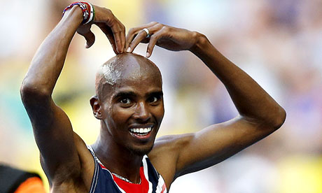Mo Farah does the 'Mobot'