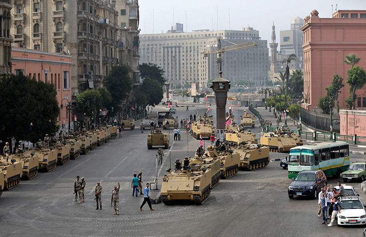 Egypt day 3: Egyptian army soldiers in armoured vehicles