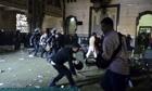 Police storm al-Fath mosque