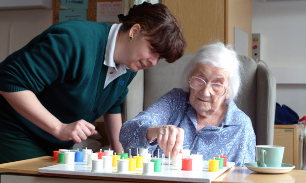7 Montessori Activities for Dementia Patients  Enlivant