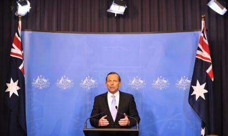 Πρωθυπουργός της Αυστραλίας εκλεγέντος Tony Abbott ανακοινώνοντας τις εισερχόμενες γραφείο του στην Καμπέρα στις 16 Σεπτεμβρίου 2013.