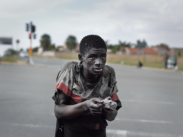 Pieter Hugo - Kin: At a traffic intersection, Johannesburg, 2011