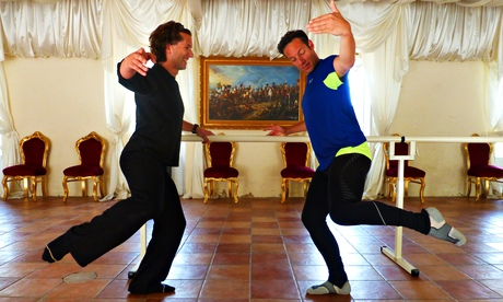 Jonathan Thompson learning ballet