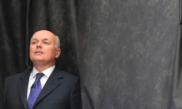 Iain Duncan Smith is delivering a speech on welfare.