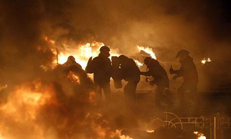 Украинский президент предлагает уступки протестующим