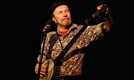 Pete Seeger performs live