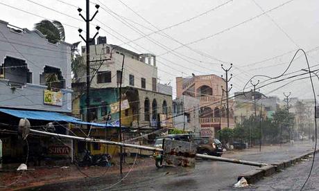 Cyclone Storm Hudhud Hits Visakhapatnam, India