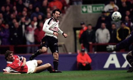 Gary Neville analyses Ryan Giggs 1999 wondergoal: He should have passed