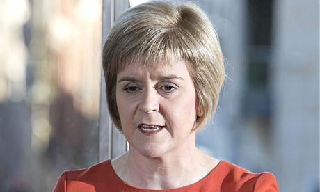 Nicola Sturgeon calls for delay to universal credit launch in Scotland