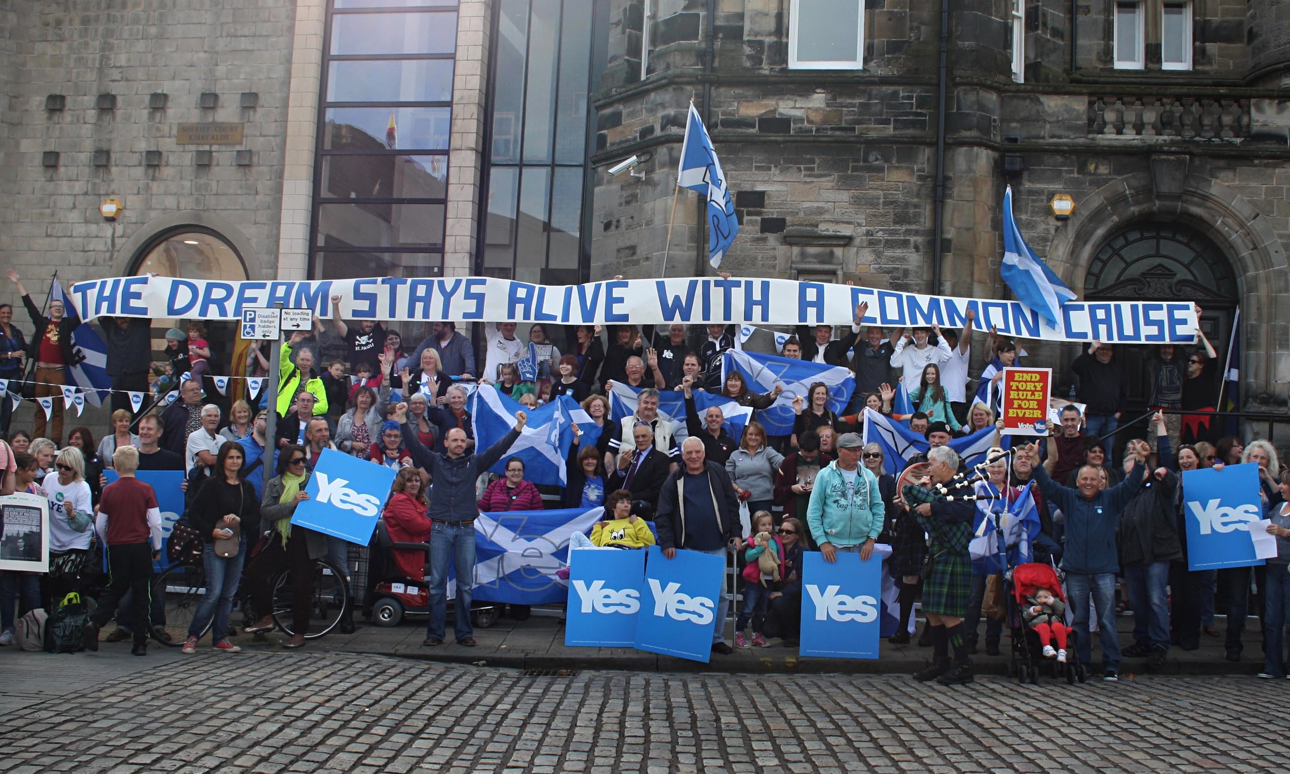 """campaign for independence 3 eu membership not secure – david cameron claimed that the only way to protect scotland's eu membership was to reject independence no campaign spokespeople parroted the phrase """"eu membership only guaranteed with a no vote."""