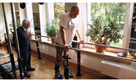 Paralysed man Darek Fidyka walks again after pioneering surgery